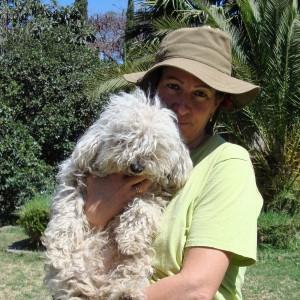 Fabiola-Alvarez-and-pooch-grateful-dog-crop